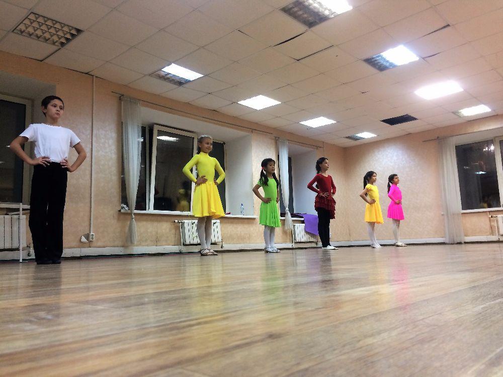 Здесь вы можете найти школы танцев по интересующему стилю или выбрать танцевальное направление.
